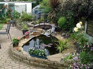 27 idees pour le bassin de jardin preforme hors sol With plan de petite maison 10 installer une fontaine en pierre dans son jardin