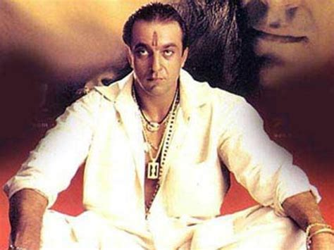 top  richest bollywood actors   life  fashion