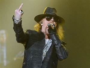 Axl Rose Gives The Finger To The Rock And Roll Hall of ...