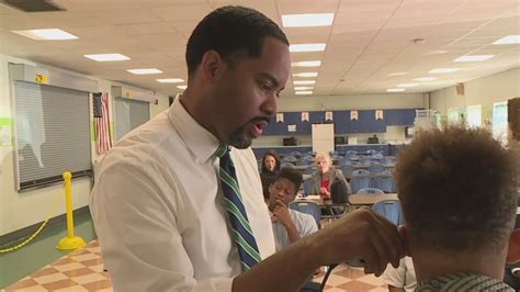 Indianapolis vice-principal turns cafeteria into ...