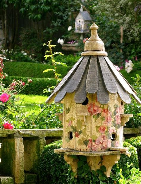 unique yard decorations to personalize garden design and