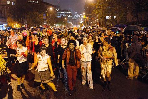 Greenwich Village Halloween Parade 2013 by 할로윈 팝업스토어 Korean In America