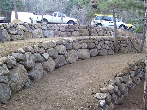 boulder wall best 25 large retaining wall blocks ideas on pinterest fire pit rack how to make fire pit in