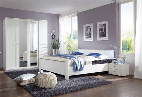 dco moderne chambre adulte une peinture blanche pour une