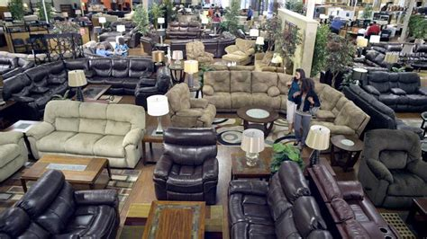 havertys to take 2 carls furniture stores south