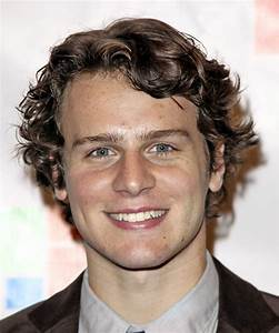 Jonathan Groff Hairstyles in 2018
