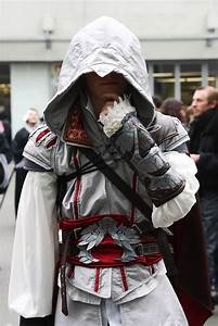 File:Assassins Creed II Ezio Paris Manga 9 -Cosplay ...