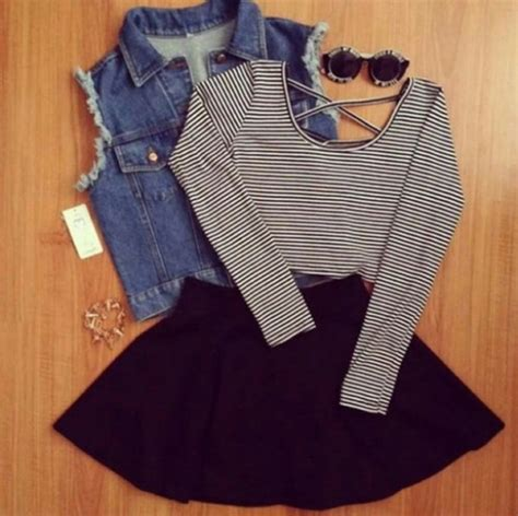 T-shirt tumblr outfit striped shirt crop tops black white - Wheretoget