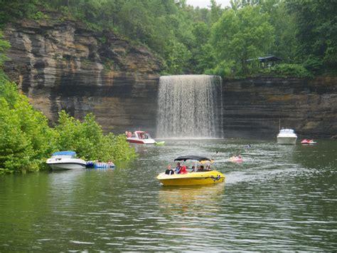 Lake Cumberland Boat Rentals Kentucky by Lake Cumberland Cabin Boat Rentals Rent It Today
