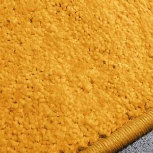 Tapis sur mesure jaune moutarde vorwerk for Tapis couleur moutarde