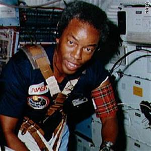Guy Bluford Astronaut - Pics about space