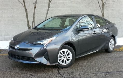 test drive  toyota prius  daily drive consumer