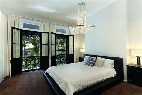 chambre a coucher idee deco avec tapis persan pour d coration des chambres coucher tapis soldes idees et chambre a coucher pour homme idee on