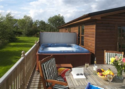 log cabins with tub out in york and sutton upon derwent herrington
