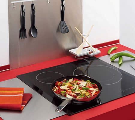 pulire piano cottura come pulire il piano cottura a induzione consigli