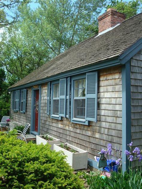 Cape Cod Exterior Color Scheme  Cabin Colors  Pinterest