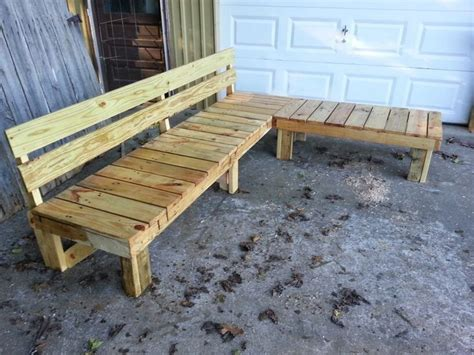 pallet bench    great  cushions