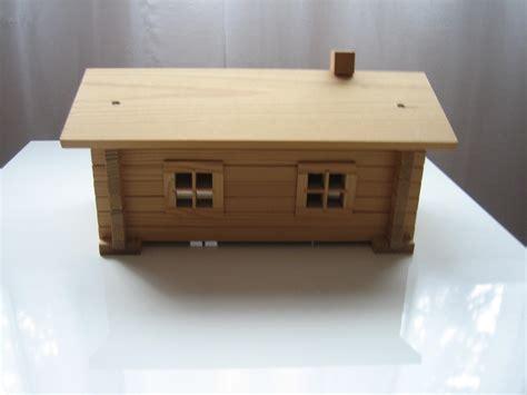 petit chalet en bois en kit donne un petit chalet en bois en kit gratuit 91610 ballancourt sur essonne don jouets