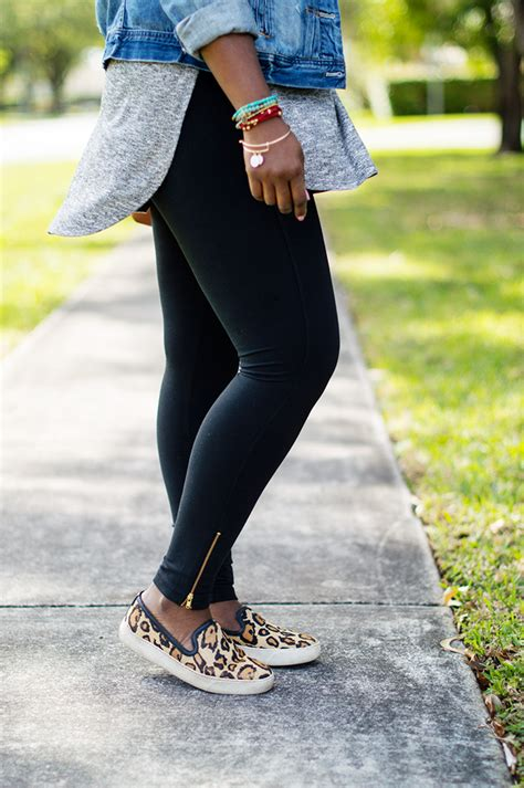casual weekend outfit  leggings  tunic