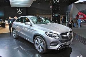 Gle Mercedes Coupe : the mercedes gle coupe might be more rational than you think carscoops ~ Medecine-chirurgie-esthetiques.com Avis de Voitures