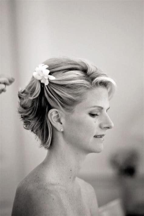 top  mother   bride hairstyles  short hair