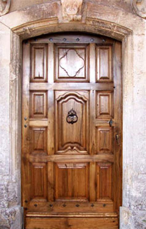 entr 233 e aux panneaux d 233 coratifs portes d entree portes antiques