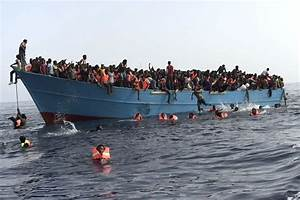 Harrowing picture showing rescuers desperately trying to ...
