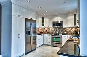 U-shaped kitchen - Traditional - Kitchen - toronto - by