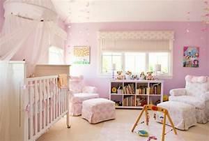 Sessel Für Babyzimmer : m dchen babyzimmer erfolgreich gestalten durch die richtigen farbkombinationen ~ Pilothousefishingboats.com Haus und Dekorationen
