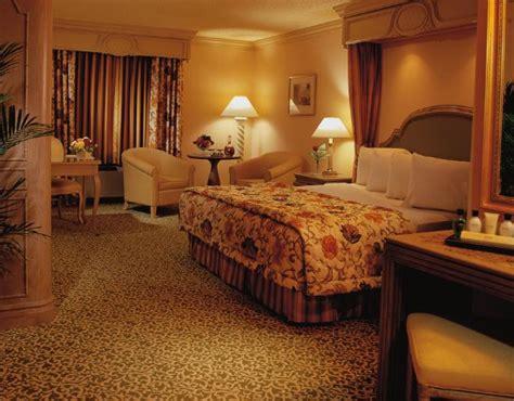 Golden Nugget Hotel  ($̶8̶4̶)
