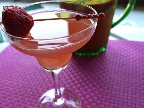 cuisine au vin rosé les meilleures recettes de cocktails et fraises