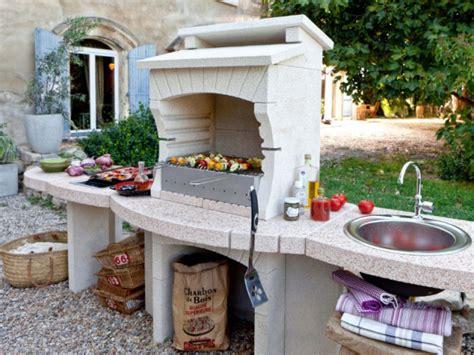 photo de barbecue exterieur une cuisine d ext 233 rieur pour un barbecue maisonapart