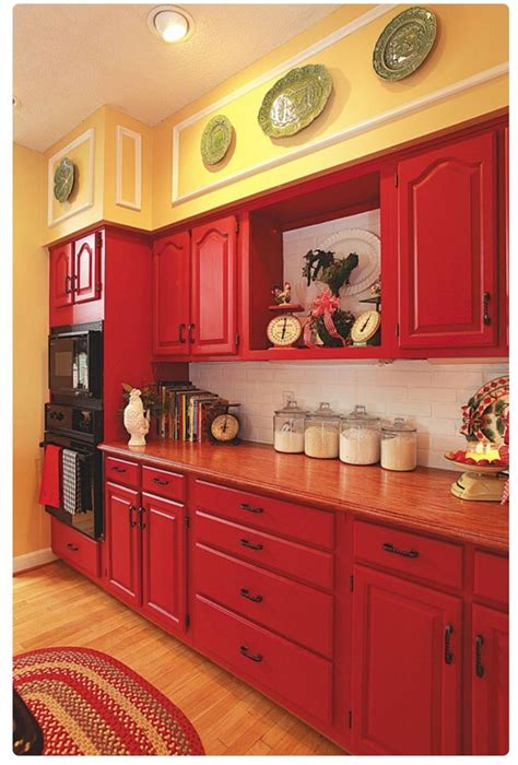 kitchen cabinet magazine the colors homes and decor kitchens 2602