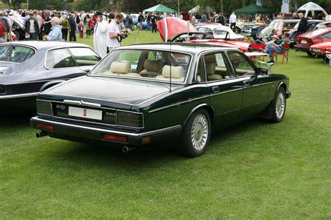 Daimler Double Six (1994) Brg Rear Right.jpg