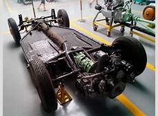 FileThe chassis of Tatra T600 Tatraplan, with rear
