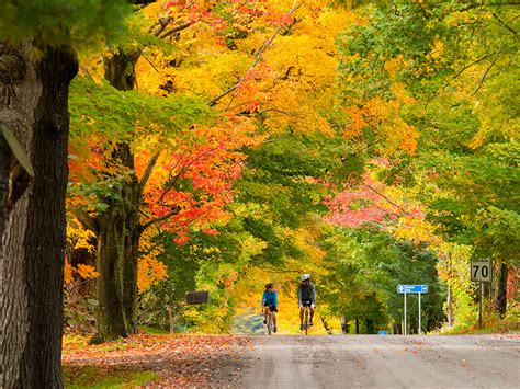 Don't miss Quebec's fall colours: September is best for ...