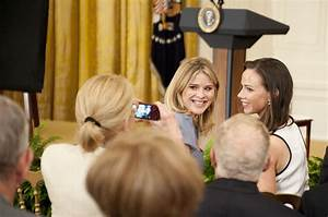 Sasha and Malia Obama Letter from Barbara and Jenna Bush ...