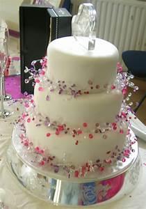 Amazing Easy Wedding Cake Decorating Idea Wedding Simple Cake Decorating For A Birthday Cake Of Your Loved Ones
