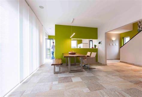 Küche Fliesen Esszimmer Parkett by Esszimmer Offen Mit Raumteiler Und Durchreiche Zur K 252 Che