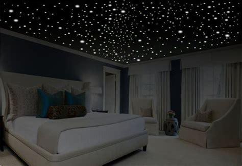 plafond étoilé chambre place à la guerre des étoiles dans la déco