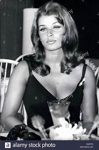 Senta Berger Größe : senta berger stock photos senta berger stock images alamy ~ Lizthompson.info Haus und Dekorationen