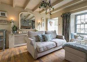 The 25 best ideas about country living rooms on pinterest for Home decor uk