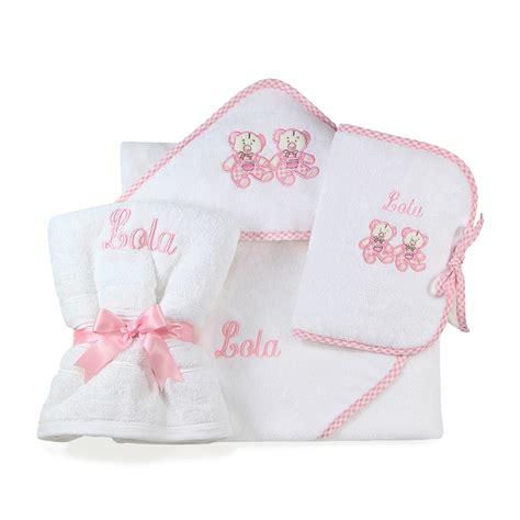 serviettes de toilette bebe b 233 b 233 fille compositions sortie de bain serviette de toilette prot 232 ge carnet de sant 233 nid d