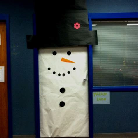 Easy Classroom Door Decorating Ideas by I Did This For A Door Decorating Contest At My School