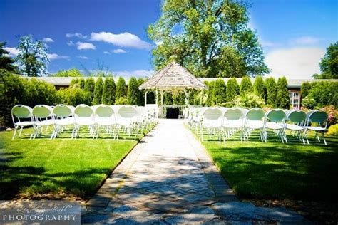 green resort gardens wedding ceremony
