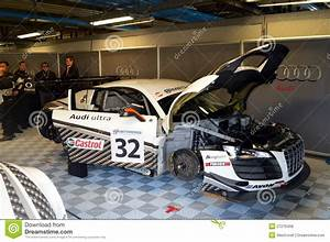 Audi Garage : audi garage editorial image 27276458 ~ Gottalentnigeria.com Avis de Voitures