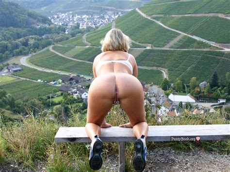 Hot Granny Naked Ass On All Fours Awesome Landscape Outdoors Pussy Pictures Asses Boobs