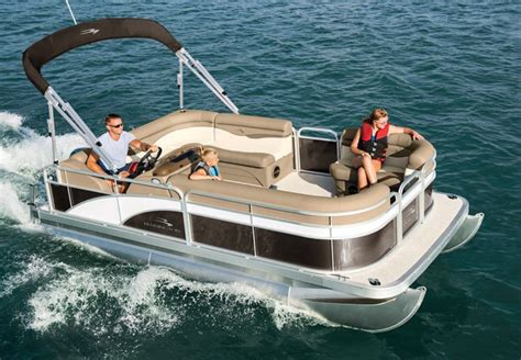 Pictures Of Bennington Pontoon Boats by S Series Pontoon Boats By Bennington