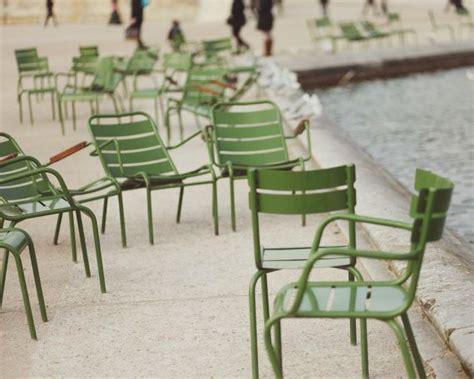 chaise fermob luxembourg fermob chairs même couleur que les chaises du jardin du