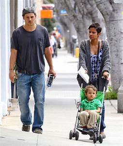 Justin Chambers and Keisha Chambers Photos Photos - Justin ...